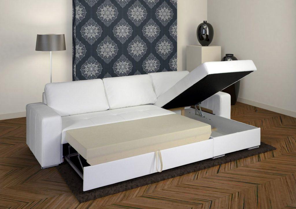Раскладной диван в гостиной с механизмом Дельфин