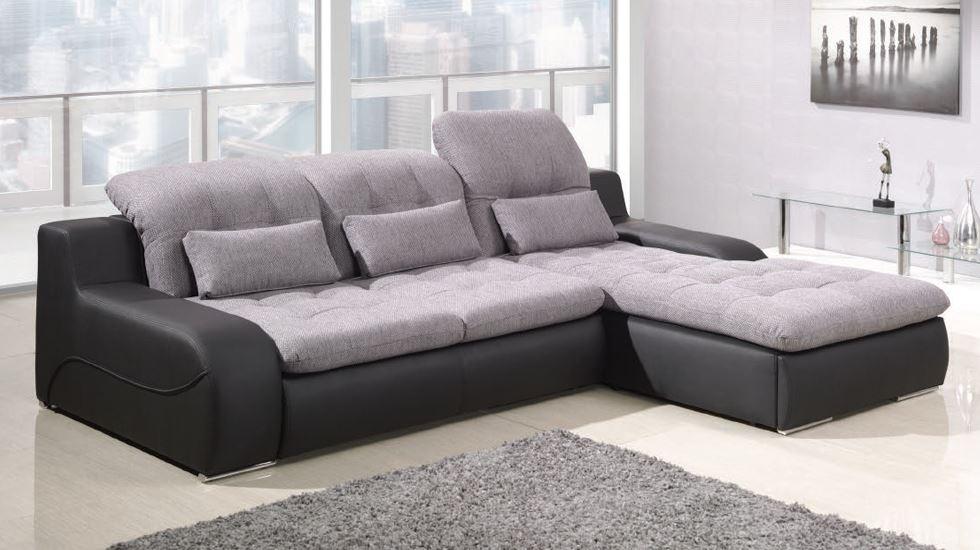 Угловой диван со спальным местом в интерьере для гостиной