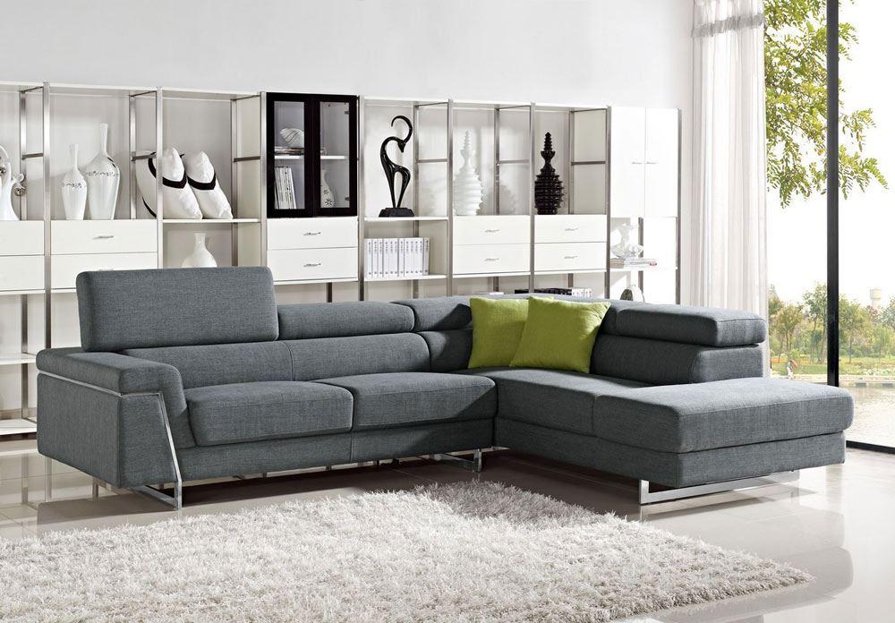 Угловой спальный диван на ножках