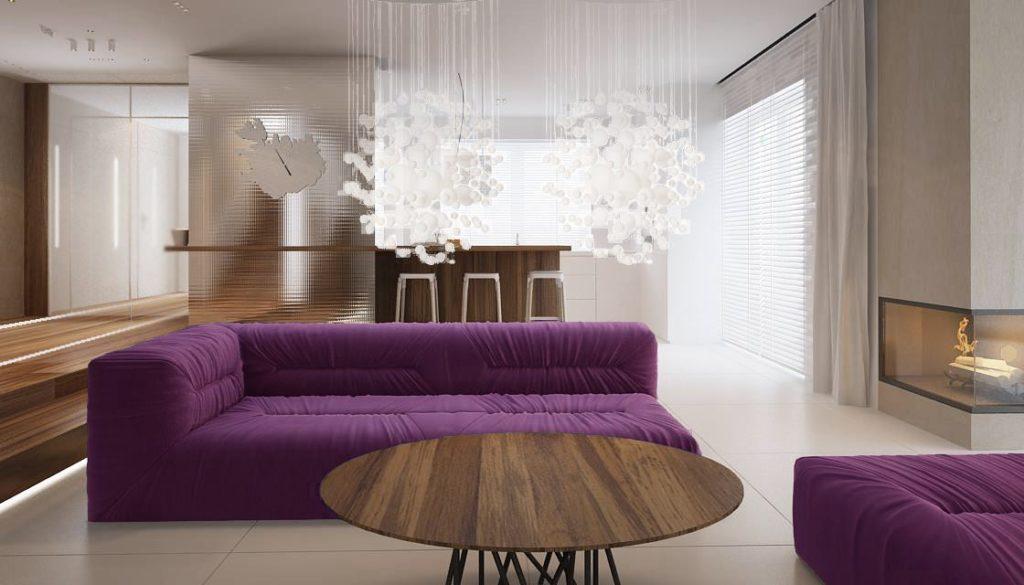 Большая фиолетовая кушетка в гостиной