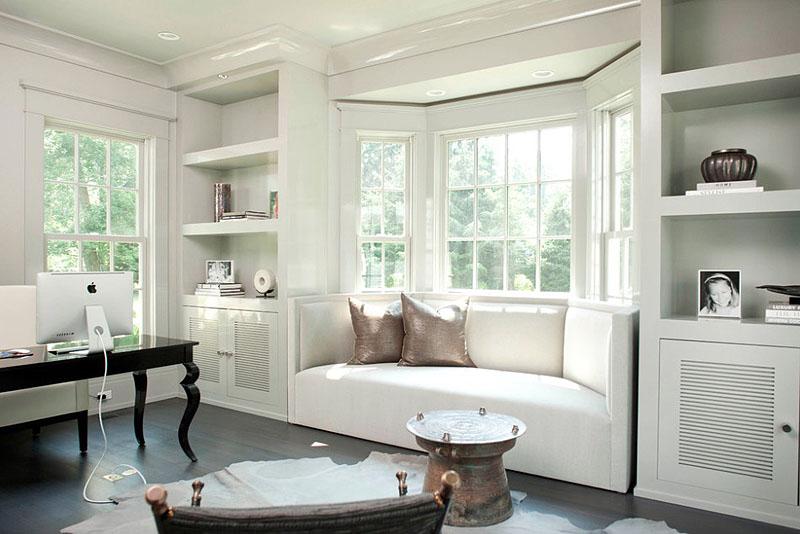 Белый эркерный диван