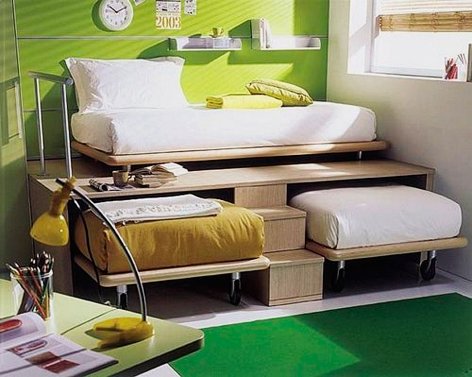 Выкатные детские кровати на колёсиках