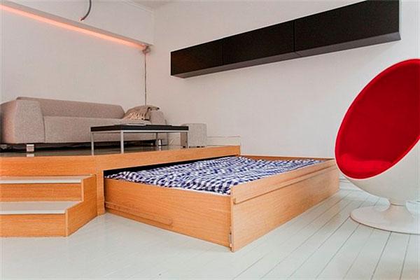 Взрослая двуспальная выдвижная кровать на колёсиках