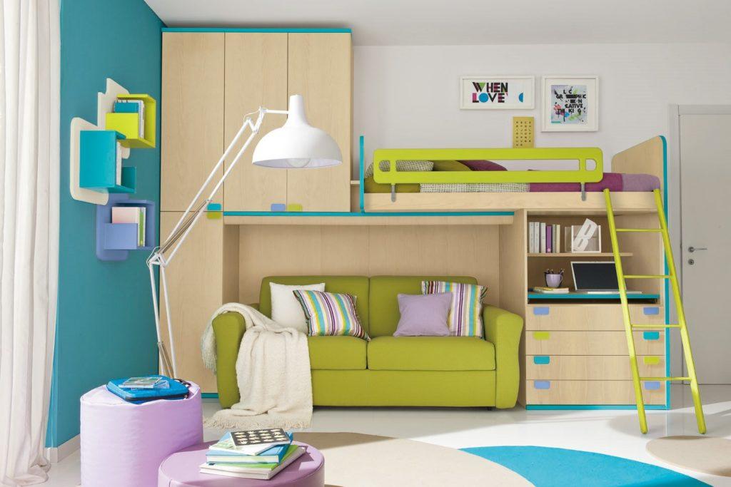 Двухъярусная кровать для детей с диваном внизу
