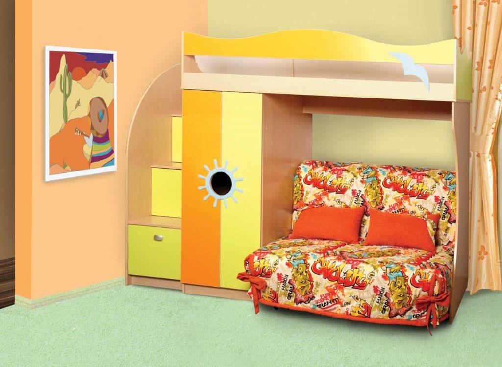 Кровать чердак с маленьким раскладным диванчиком внизу