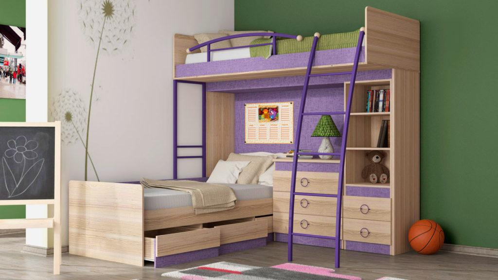 Угловая двухъярусная кровать для детей с деревянным каркасом и металлическими поручнями и лестницей