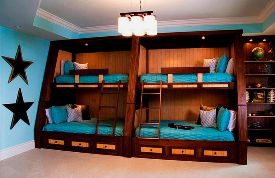Большая двухъярусная кровать для четверых детей