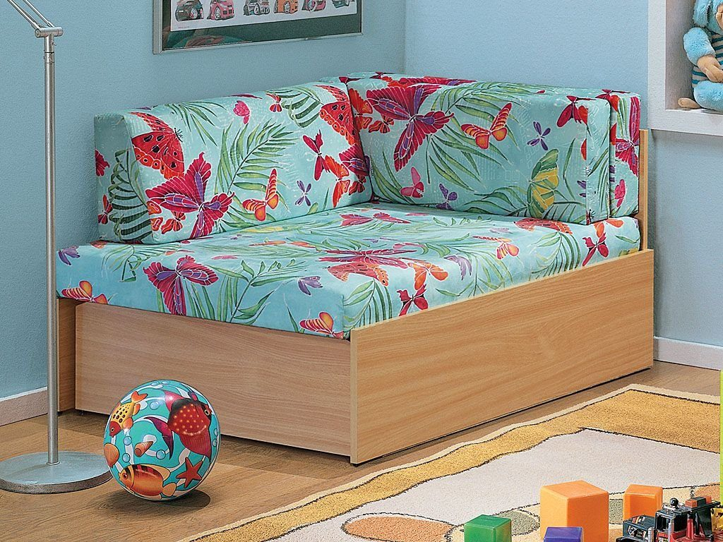 Фото маленького детского диванчика для сна