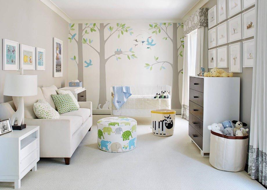 Прямой диван в интерьере детской