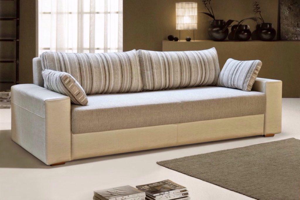 Прямой раскладной диван в тканевой обивке