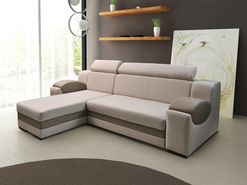 Современный диван для ежедневного сна в интерьере комнаты