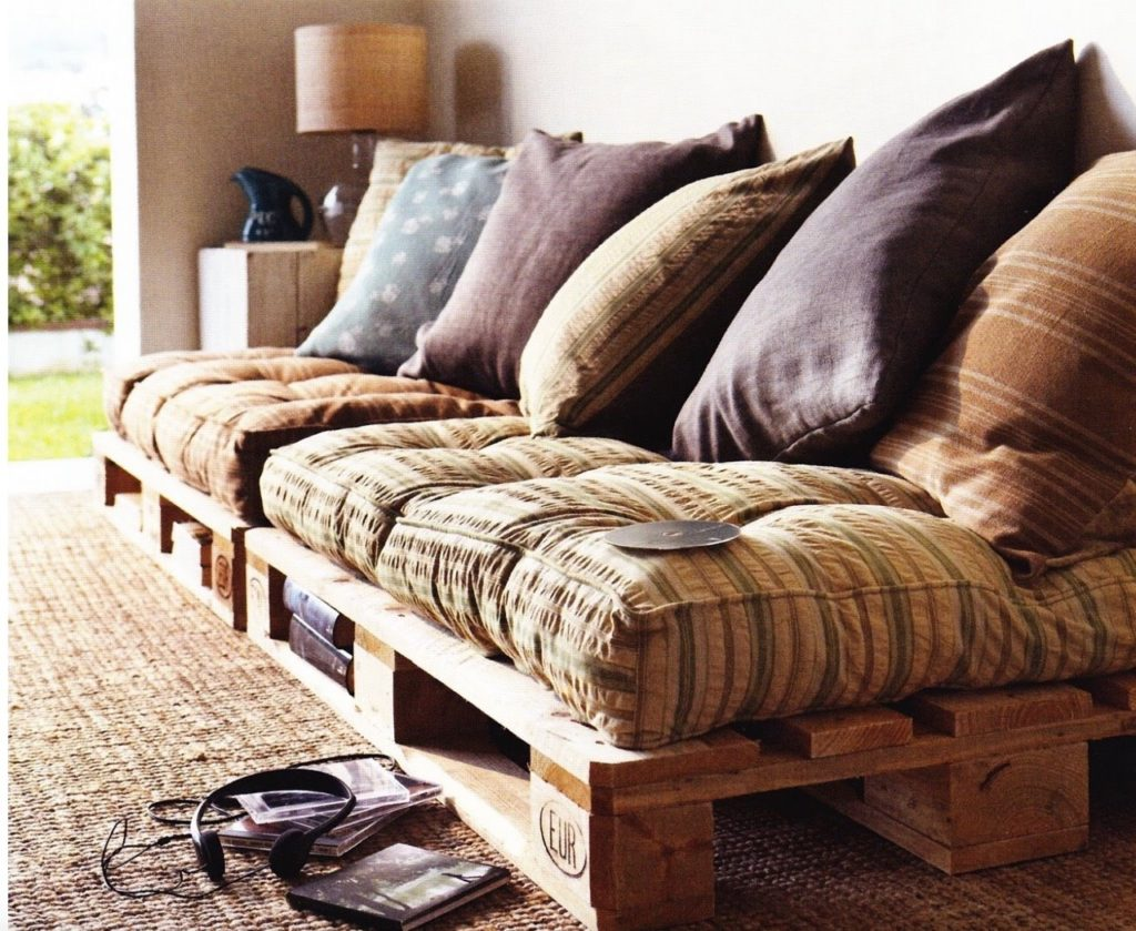 Подушки для дивана из поддонов фото