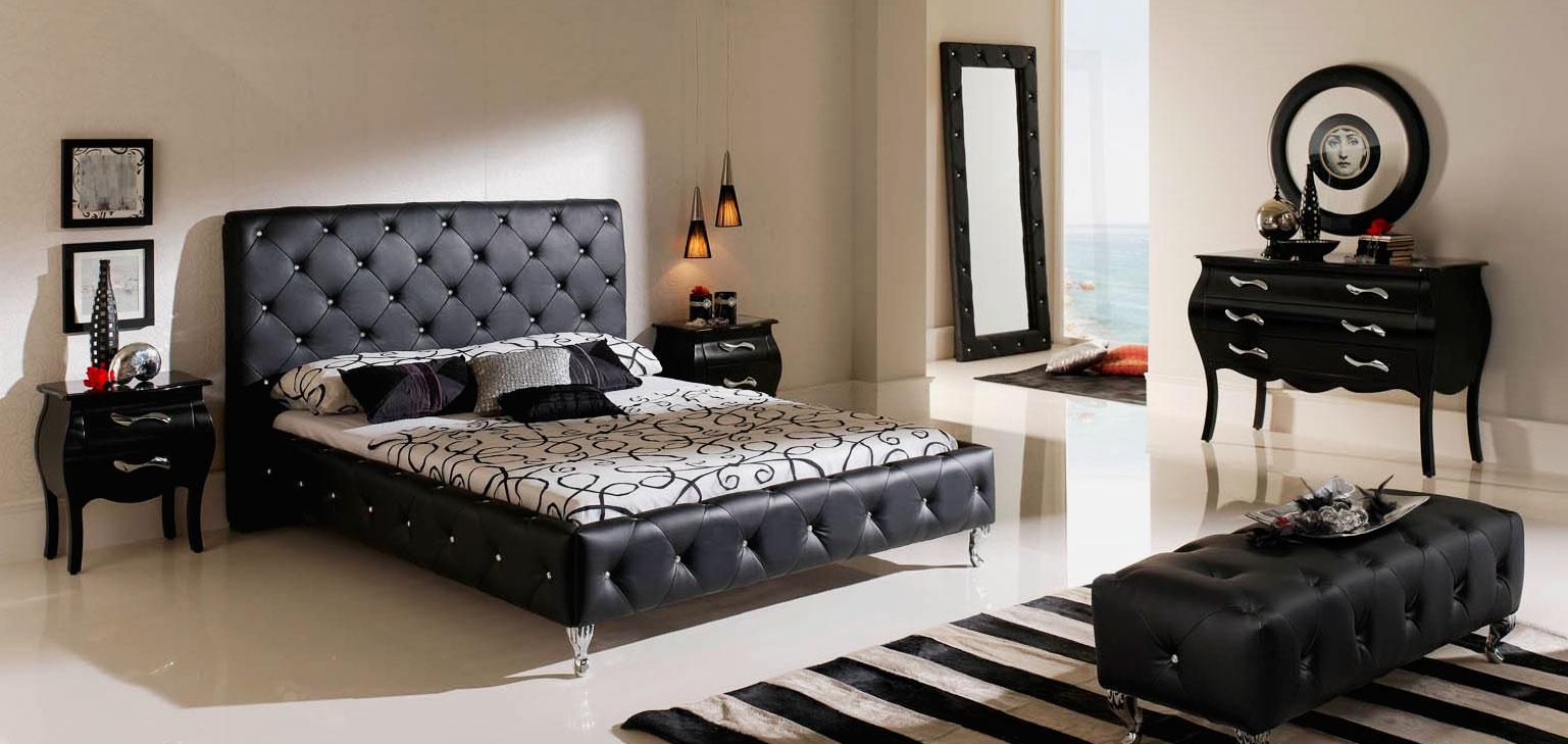 Кровать в спальной комнате (27)