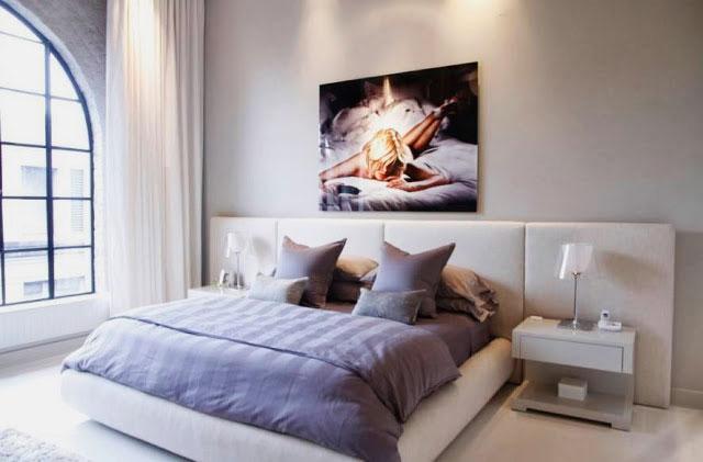 Кровать в спальной комнате (29)