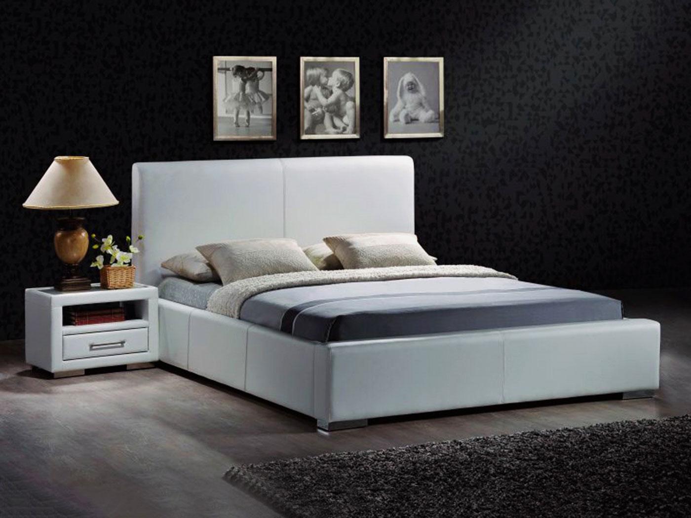 Кровать в спальной комнате (39)