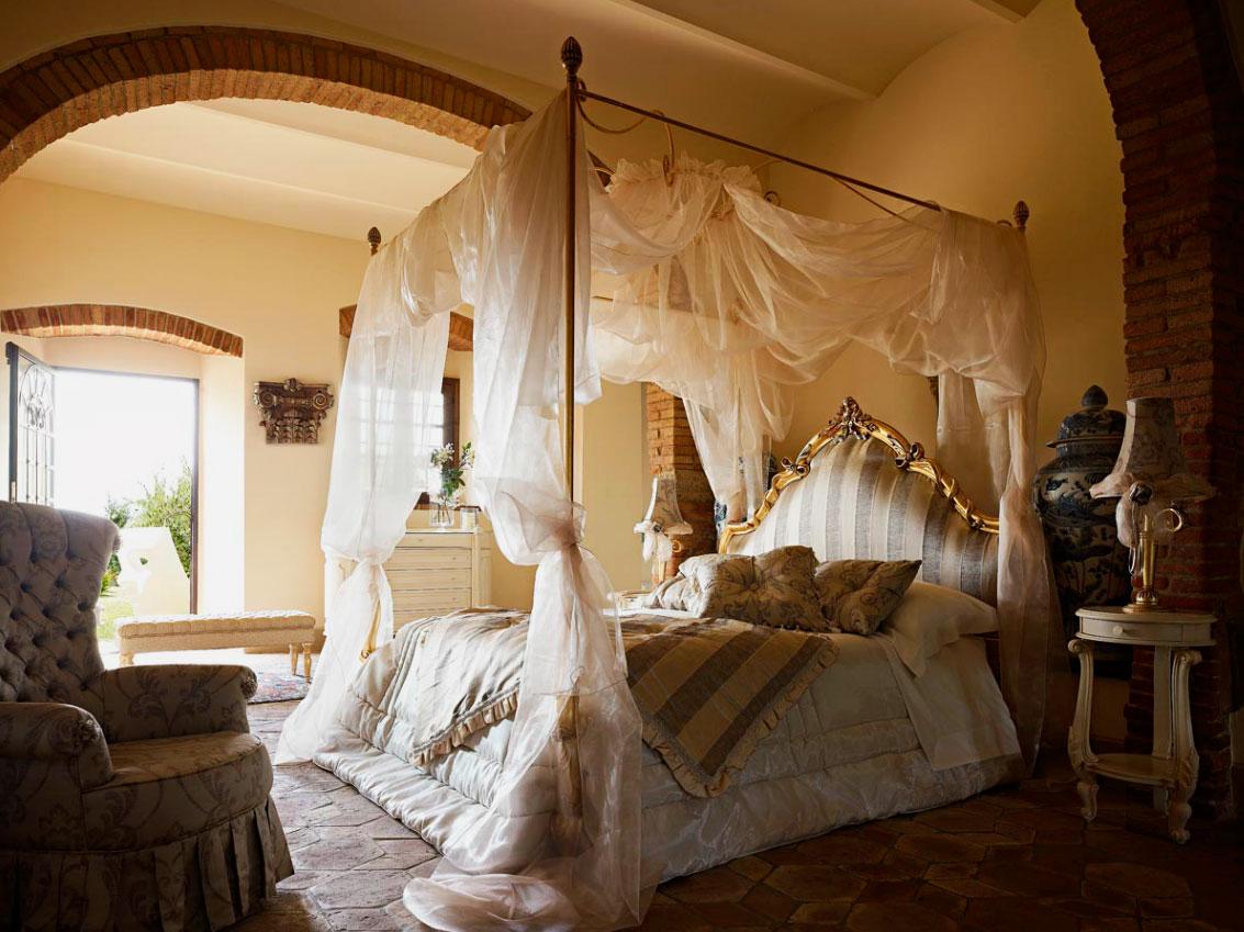 Кровать в спальной комнате (43)