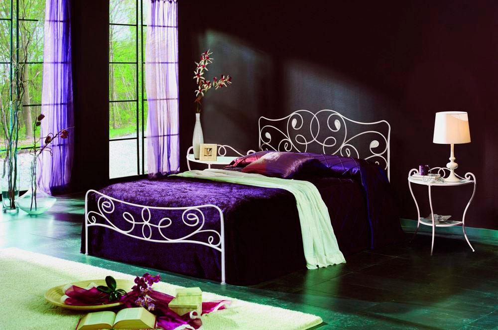 Кровать в спальной комнате (45)