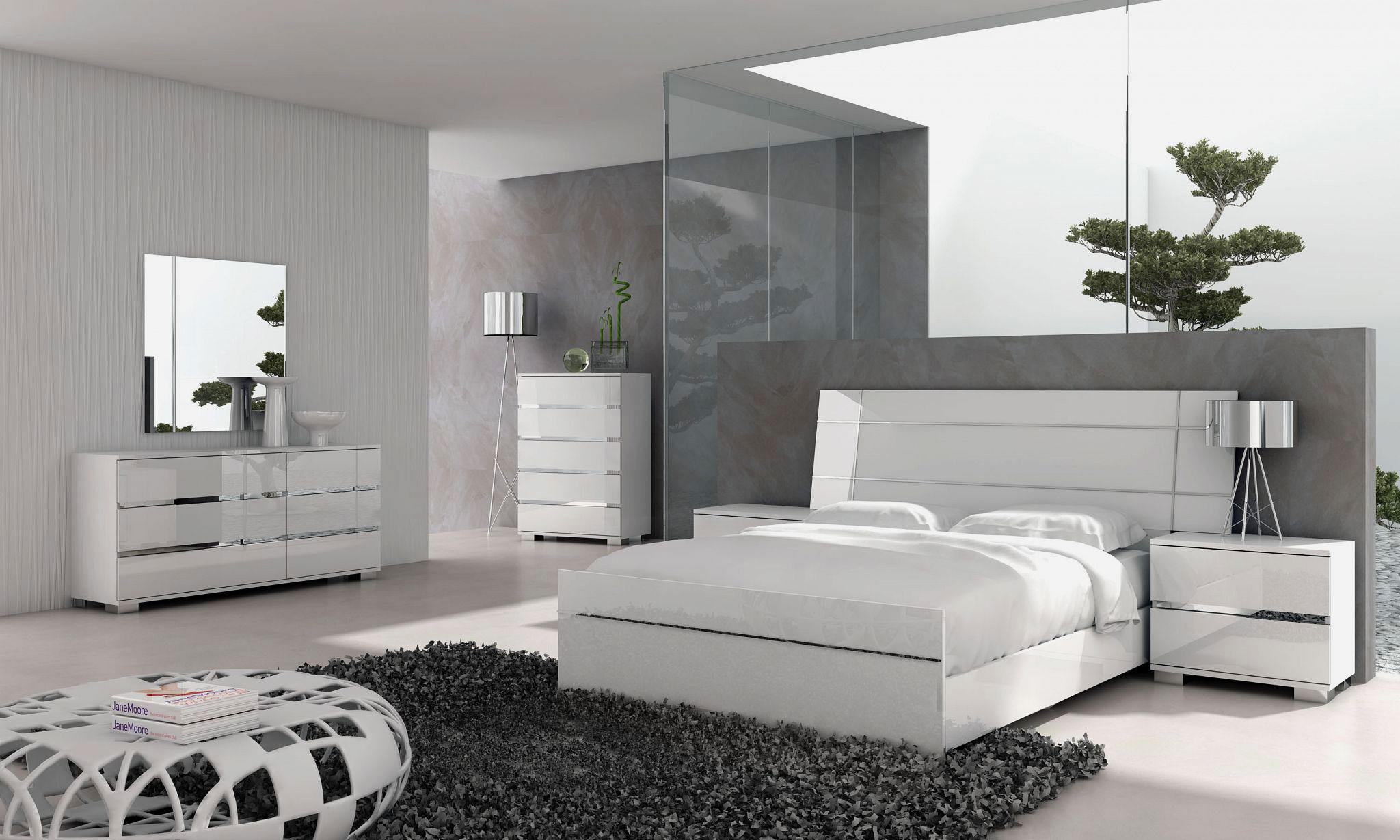 Кровать в спальной комнате (48)