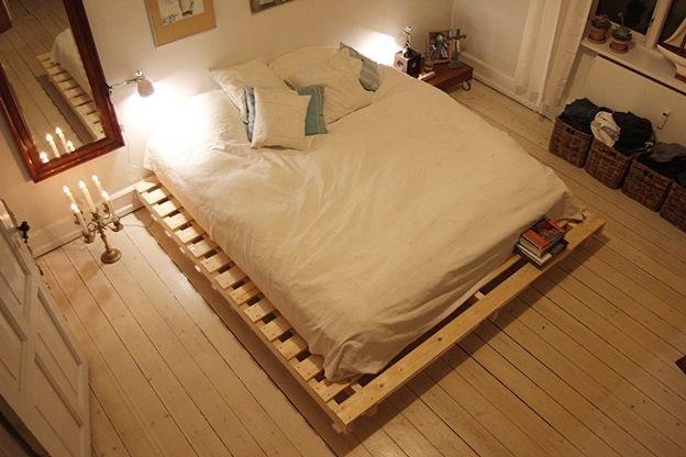 Кровать из деревянных поддонов (28)