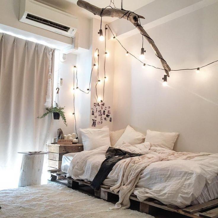 Кровать из деревянных поддонов (34)