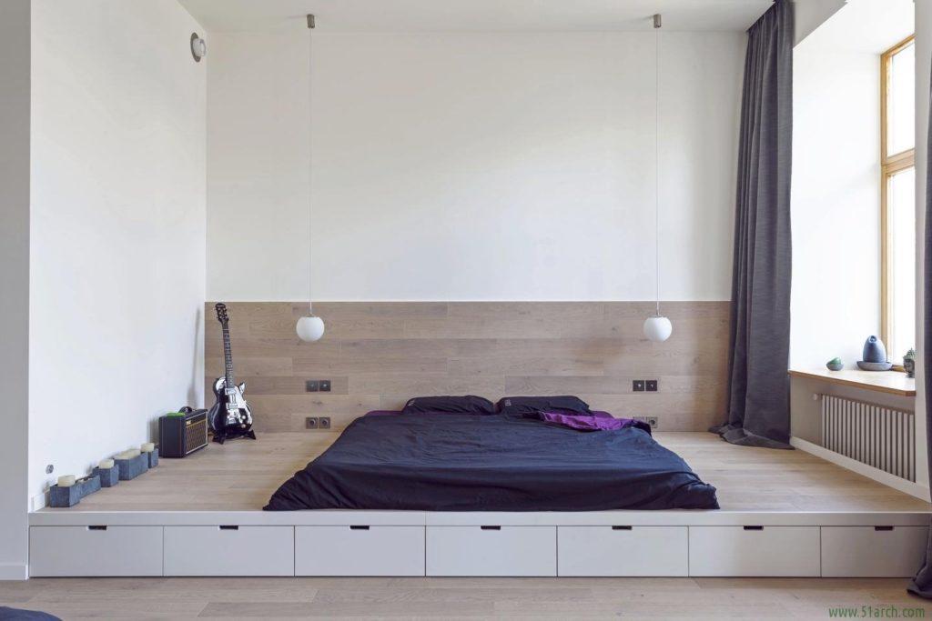 Кровать на встроенном подиуме