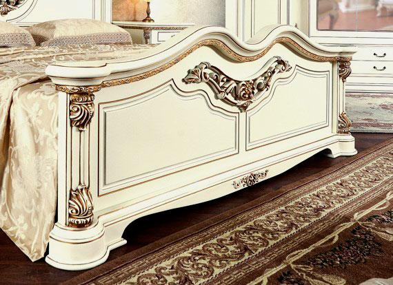 Фото роскошной кровати с красивым изножьем
