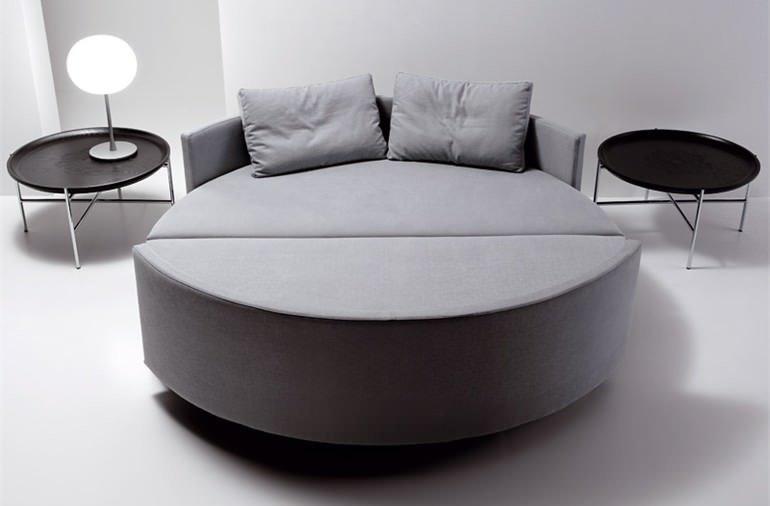 Спальный круглый диван - фото