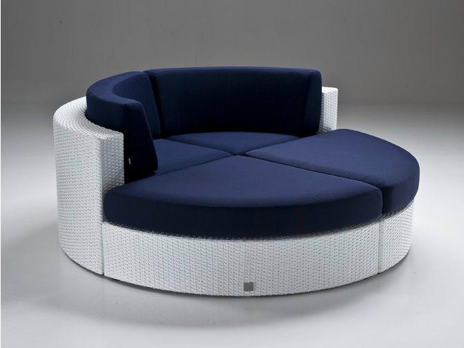 Небольшой модульный круглый диван со спальным местом