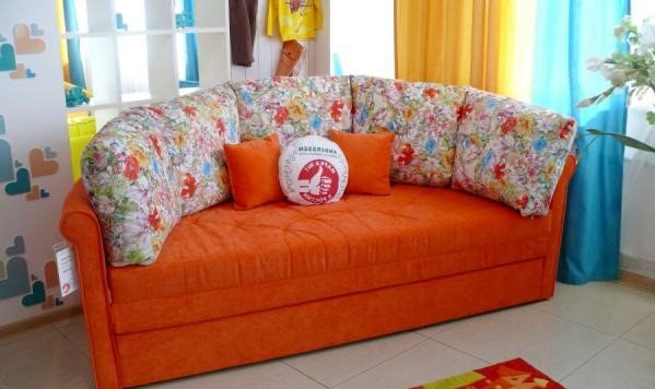 Круглый диван-кровать (24)