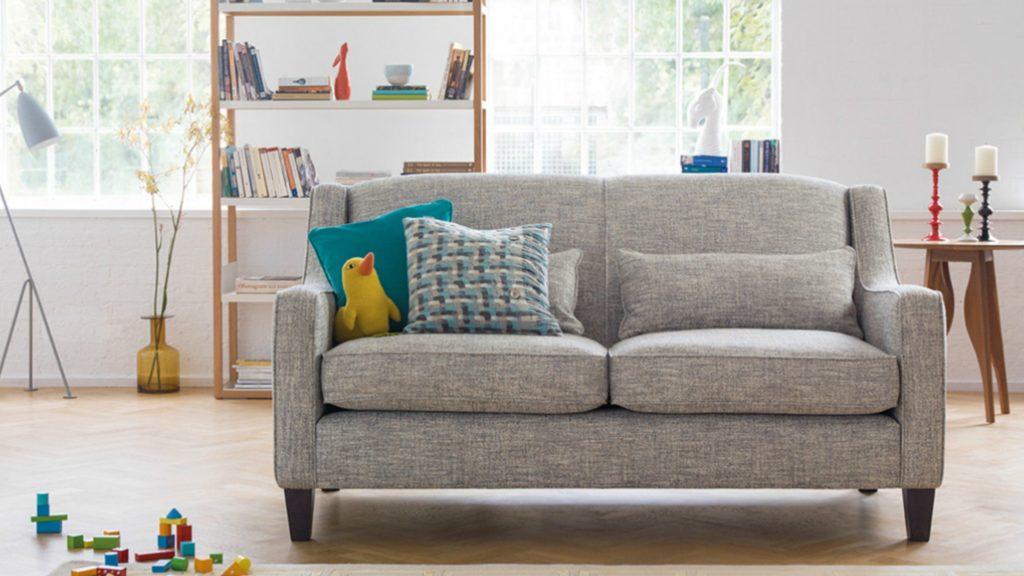 Компактный диван для сна в интерьере