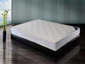 Большой матрас для кровати