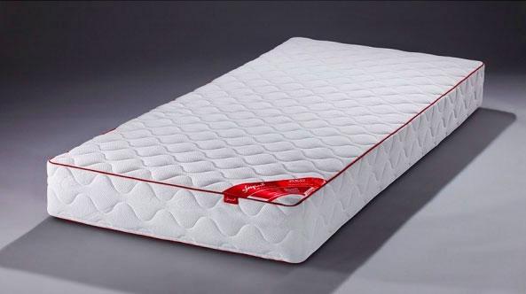 Фото полутораспального матраса для кровати