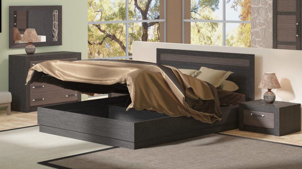 Двуспальная кровать с установленным подъёмным основанием