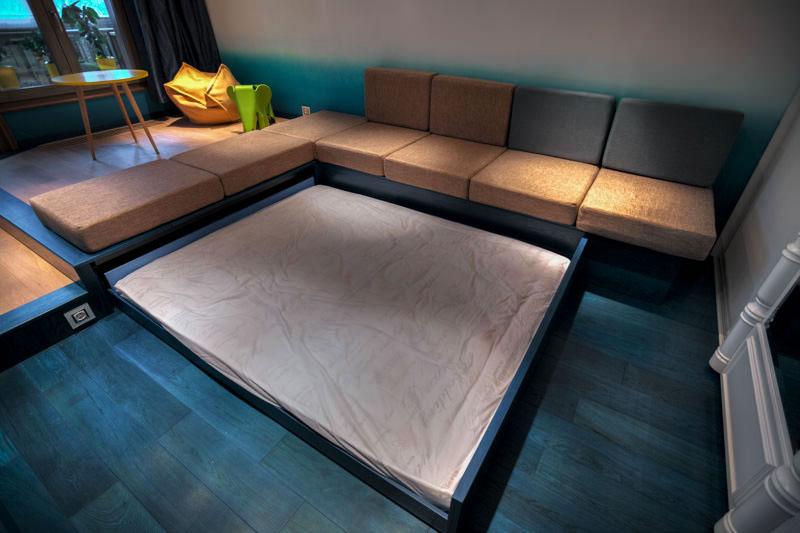 Подиум с выдвижной кроватью изготовленной своими руками