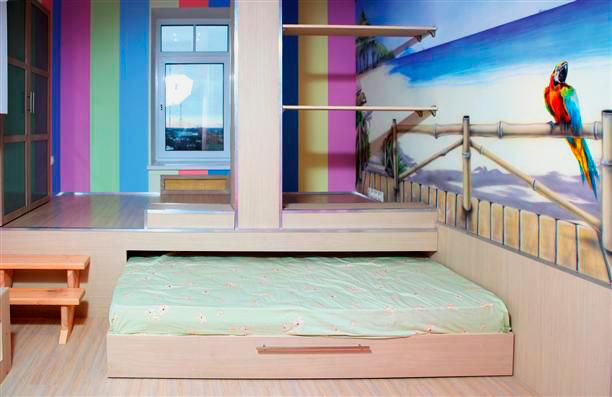 Подиум с выдвижной кроватью в интерьере