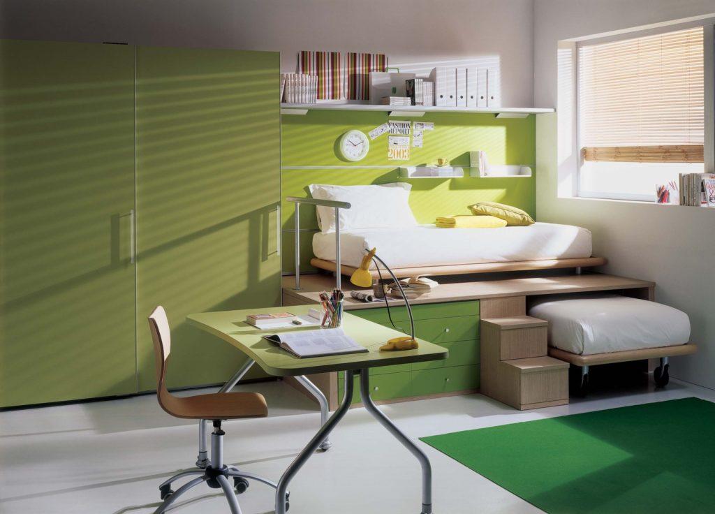 Кровать под подиумом в интерьере детской