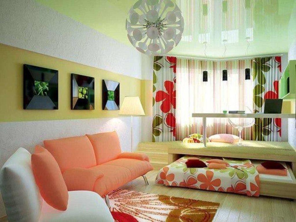 Кровать встроенная в подиум в интерьере гостиной