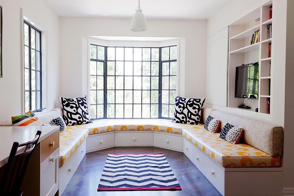 Полукруглый диван в интерьере кухни (9)