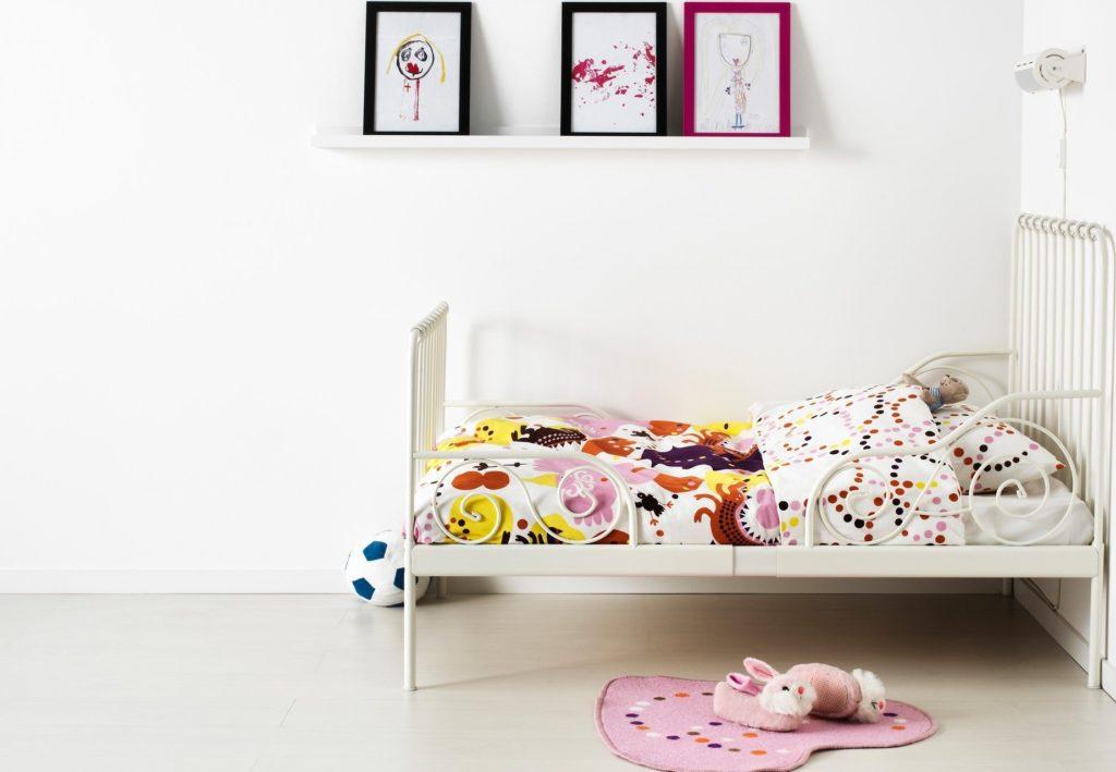 Фото детской раздвижной кровати в комнате