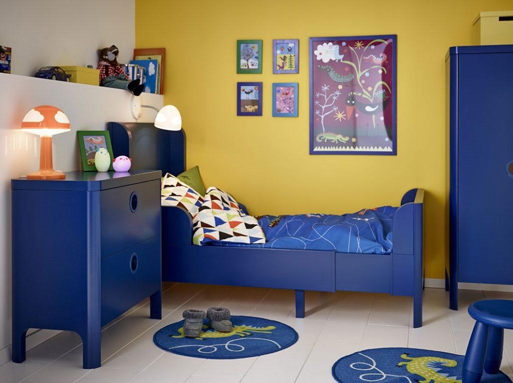 Раздвижная кровать в интерьере детской комнаты