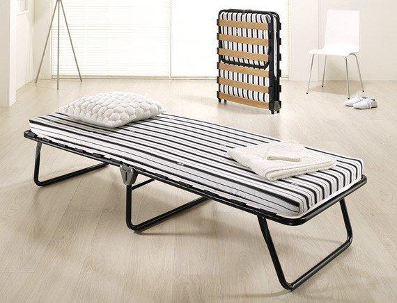 Фото раскладной кровати в интерьере комнаты
