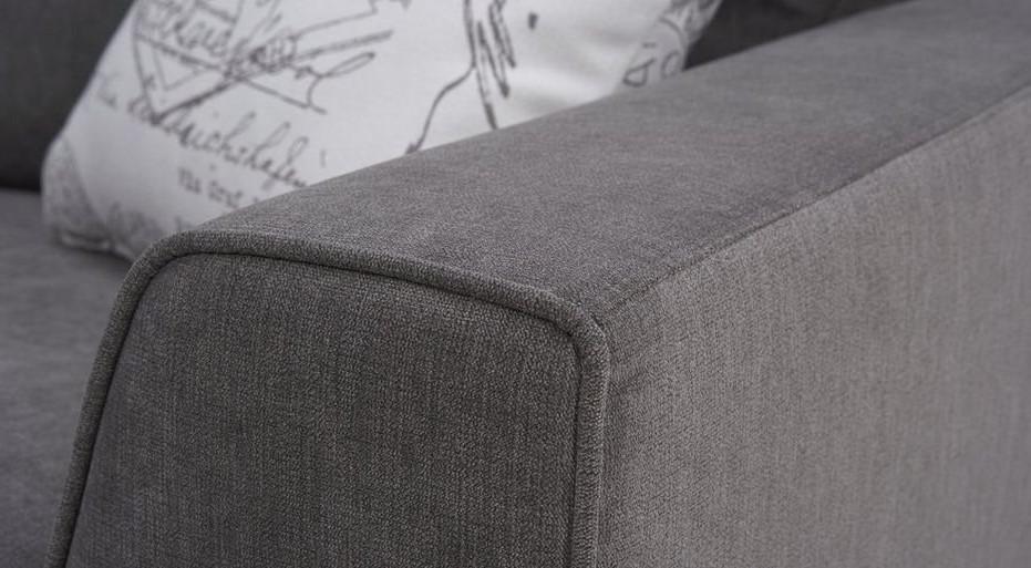 Фото дивана в недорогой тканевой обивке