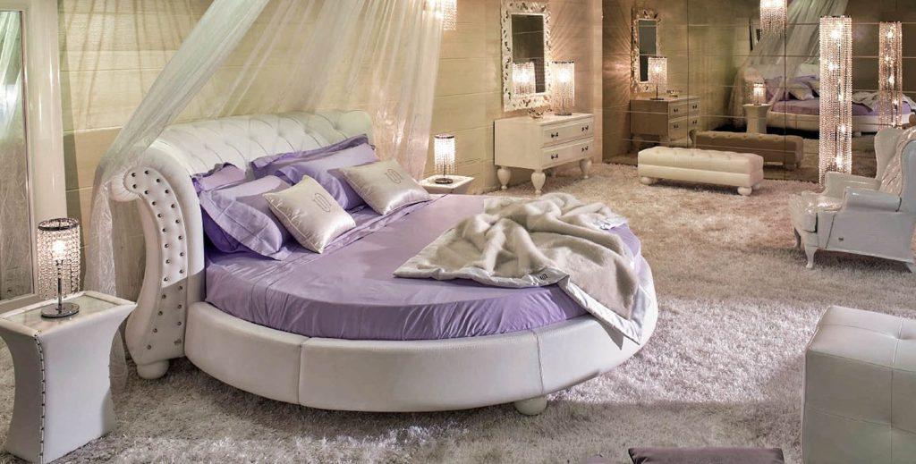 Большая круглая кровать