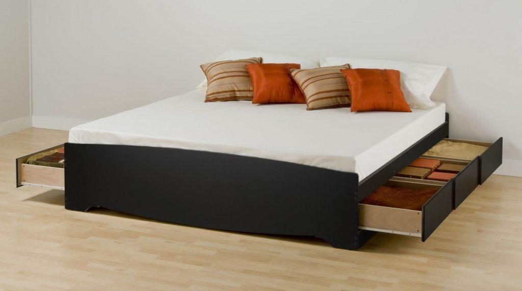Кровать с ящиками для хранения белья