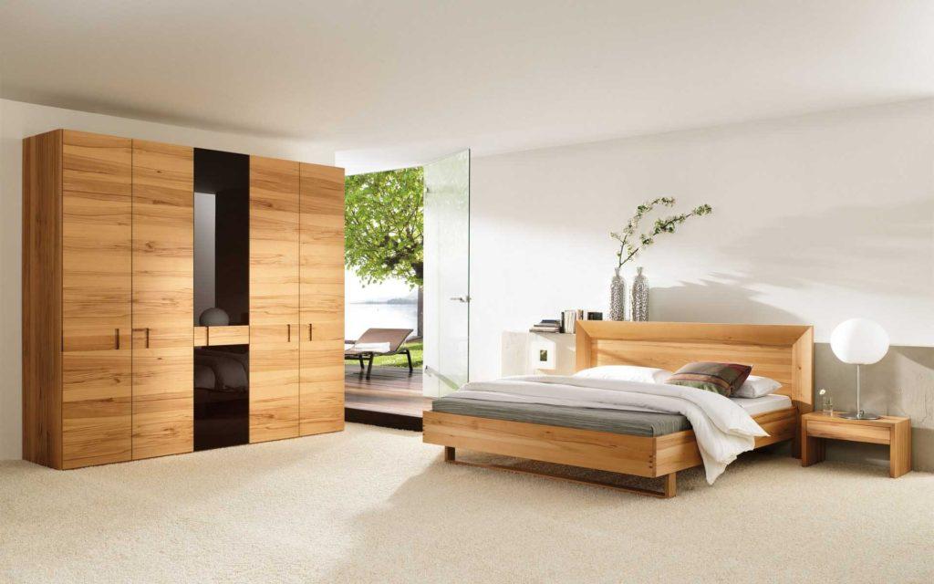 Фото деревянной кровати с ортопедическим основанием под матрас