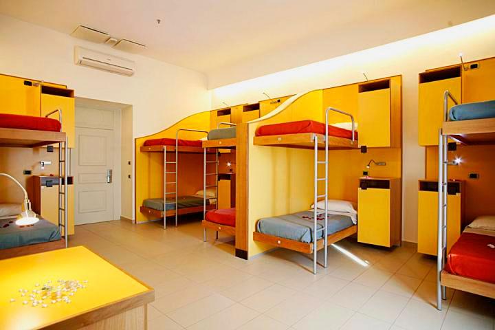 Двухъярусная кровать для взрослых (33)