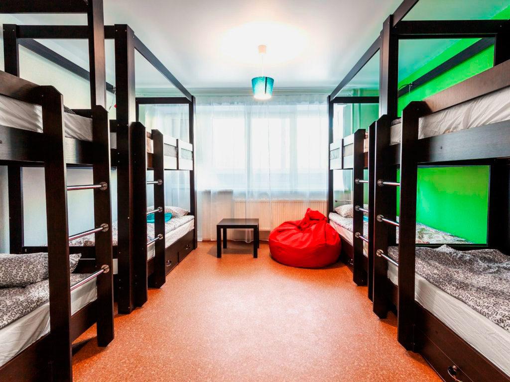 Комната на 8 человек с 4-мя двухъярусными кроватями