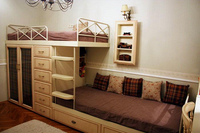 Двухэтажная кровать в ретро стиле