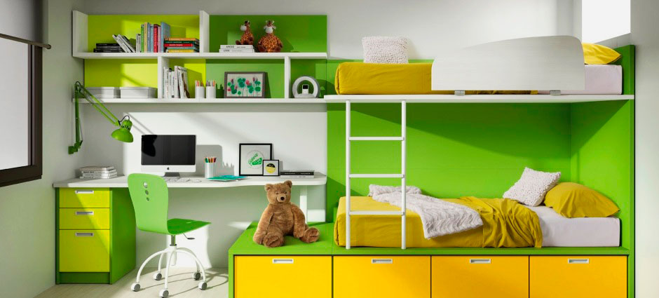 Модель двухэтажной кровати с рабочей зоной и нижними выдвижными шкафчиками