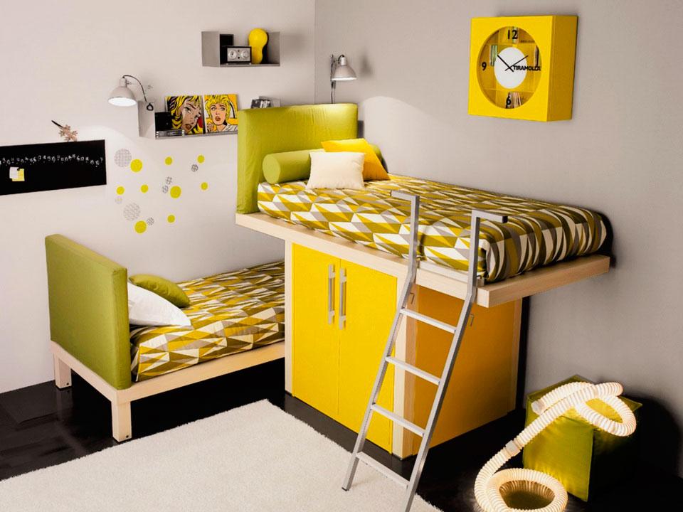 Детская кровать на шкафу